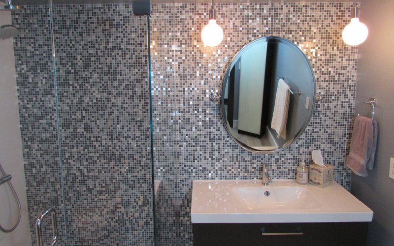 tile bathroom wall